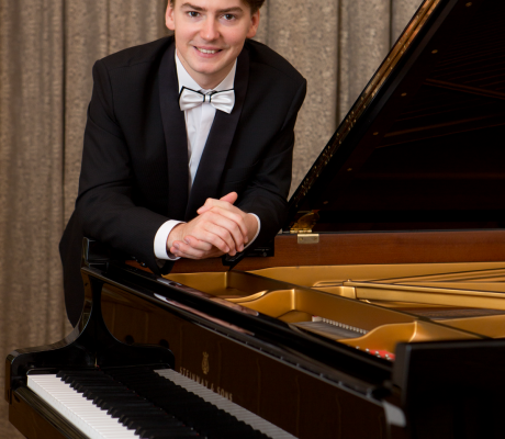Grzegorz Niemczuk w finale 2016 BMIMF Concerto & Composition Competition